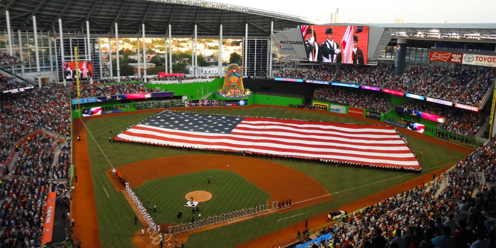 Baseball Fan's Guide Going to Marlins Park