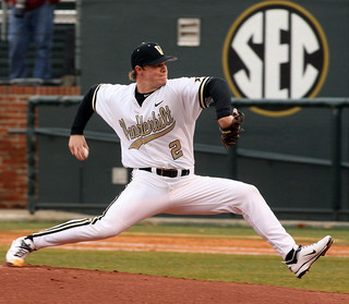 Sonny Gray Pitching in College